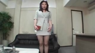 Chinese Place Of Business Gal Puss Internet Tights