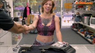 Huge-boobed Tatted Lady Rode Via Pawn Stud In His Place Of Job